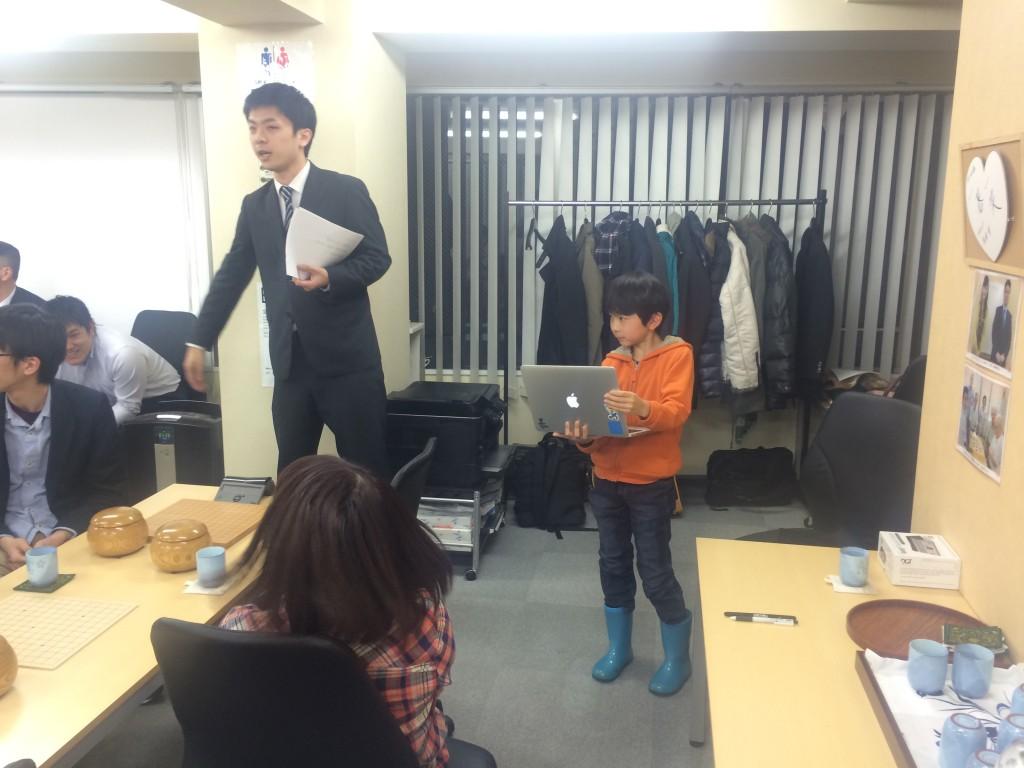第2回の大会で準優勝の長谷川君。今回も対局の組み合わせを発表してくれました!主体性抜群です!