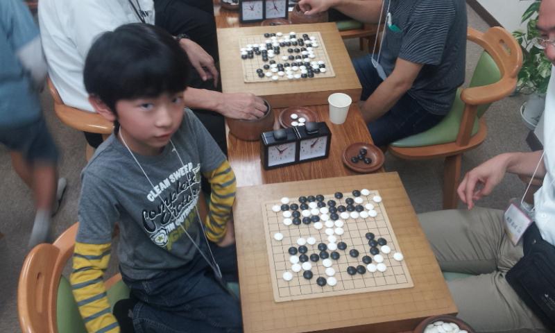 これは決勝の碁の終局図。逆コミ42目の碁ですが、米澤恵司さんの投げ方が潔かったですね。優勝がかかっているから、まだ続けて打ちたくなってしまいそうです。