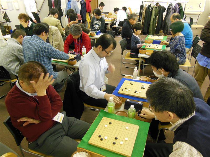 今回の大会は、アマ強豪も参加して下さり、レベルの高い碁が随所で見られました。